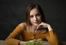dziewczyna na diecie odchudzajacej