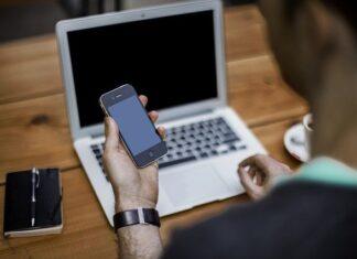 Jak skopiować kontakty z telefonu na komputer?